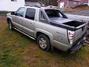 2005 Chevy Avalanche for sale