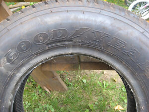 GOOD YEAR TIRE  225 / 75/ R16  , RADIAL TIRE , GOOD FOR SPARE Cambridge Kitchener Area image 1