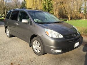2004 Toyota Sienna LE *** Toyota Serviced / Records/ Warranty