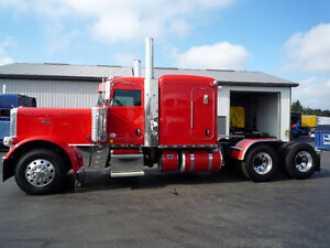 2014 Peterbilt 389 flat top with SUPER 40's  rears