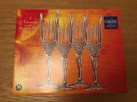 Box of 4 crystal champagne flutes
