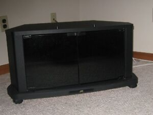 tv stand 14 inches high  26 inches wide  by 18 inches deep
