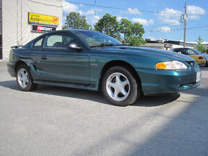 1996 Mustang 4.6 V8 GT Coupe - LOW 47k km, CLEAN, & Leather