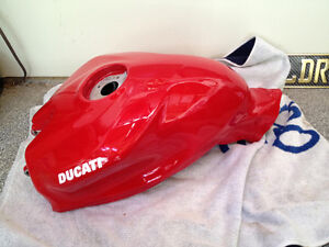 DUCATI 1199 899 PANIGALE FUEL TANK GAS PETROL NEW RED IN BOX