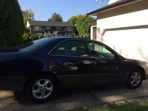 1998 Lexus ES 300 LOW KM, No Accidents Local Car