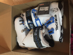 Ladies Ski Boots Technica Cochise Size 7.5 New