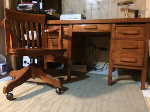 Antique Oak Desk and Chair Prince George British Columbia image 2