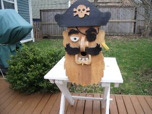 HANDCRAFTED WOODEN BIRDHOUSE – PIRATE DESIGN