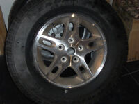 245 / 60 / 16  Good year eagle ls  2 rims and tires
