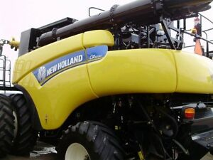 2014 New Holland CR8090 Combine London Ontario image 9