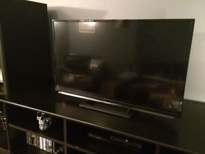 "Perfect Condition Sharp 32"" HDTV"