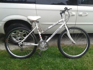 STOLEN, STOLEN 12 Spd White Mountain Bike in Forest, Reward