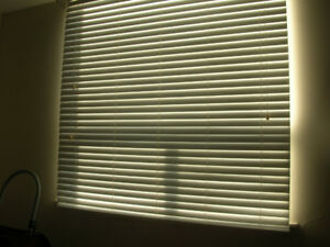 light grey/white faux wood blinds