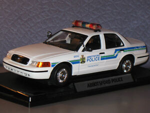 FORD CROWN VICTORIA ABBOTSFORD POLICE CAR 1:18 DIECAST MODEL