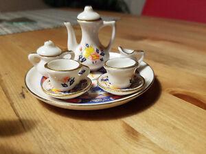 Mini tea sets - 10 sets