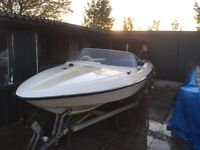 Speedboat 17ft comes with twin wheel trailer