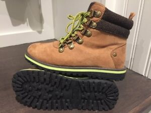 Boys BRAND NEW Boots Size 13. Never used