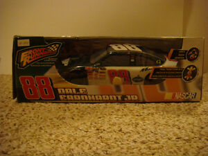 NIB - FRONT RUNNERS 88 DALE EARNHARDT JR. Radio Control Car