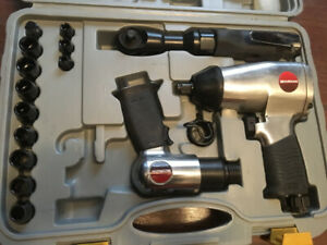 MotoMaster Impact Wrench - Air Hammer in carry case