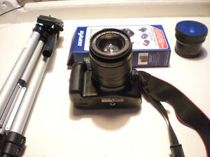 MINT CANON T3 DSLR CAMERA WITH 2 LENSES