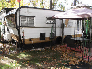 Trailer  with sunroom ,shed,patio Windsor Region Ontario image 1