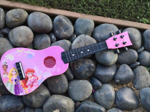 Disney Mini Guitar / Ukulele