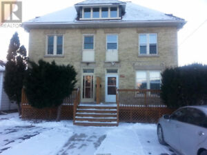 House for rent - Clean 3 Bedroom , Great location near Downtown
