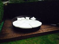 Ratan day bed