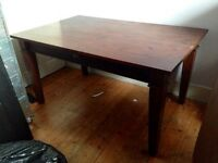 LARGE SOLID WOOD MAHOGANY COLOUR VINTAGE BEAUTIFUL DINING TABLE
