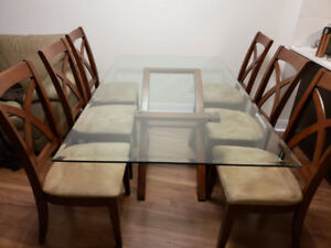 Glass Dining Room Table + 6 chairs