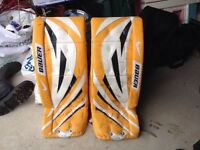 "Goalie pads - Bauer Supreme int pro 30"" plus one inch"