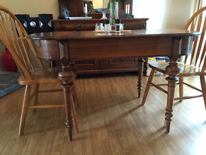 Pretty Antique Walnut Dining Table for Sale