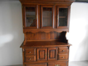 For sale bufffet and hutch