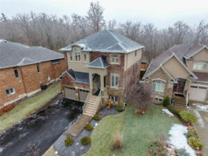 * EXQUISITE HOME ON THE BEAMSVILLE BENCH   4BED + 3BATH *