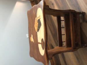 Faites-moi une offre - Petite table/porte revues en bois