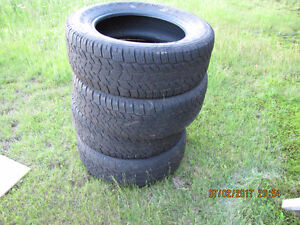 275 60R 20 Truck tires well used