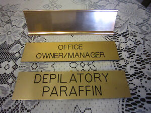 Owner/deplilatory/stand signs-STRATHROY London Ontario image 1