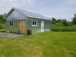 Barn on Aprox 2 acres for rent