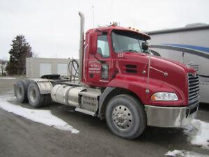 2013 Mack Tractor