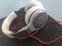 Beats by Dr Dre Pro over ear headphones (white and silver) xbox PlayStation apple compatible