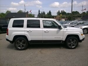 2015 JEEP PATRIOT SPORT * 4X4 * LOW KM * SHOWROOM CONDITION London Ontario image 7