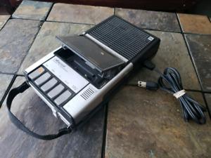 Portable Cassette RECORDER, player, tape deck plug or batteries