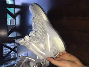 Size 9 : D rose 6's Adidas boost