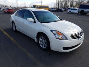 2009 Nissan Altima 2.5S  ONLY 90,000KM