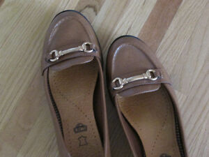 Camel flats with buckle, size 9.5