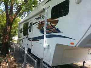 2011 CHAPARRAL 5TH WHEEL LIKE NEW
