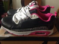 Size 3 trainers