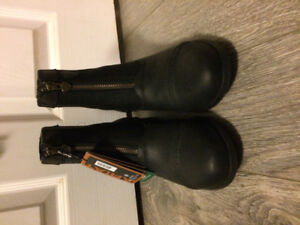 New with tags ariat paddock boots 6.5