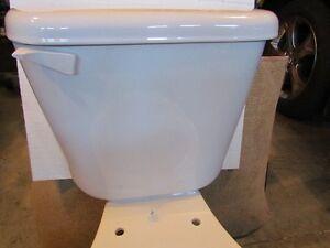 Toilet with seat. Peterborough Peterborough Area image 2