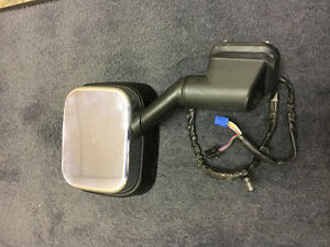 2003 Hummer H2 Right side mirror